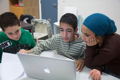 oorlog in mijn buurt. Kinderen intervieuwen oude buurtbewoners over hun jeugd tijdens  de oorlog. Schrijfles. foto: Katrien Mulder