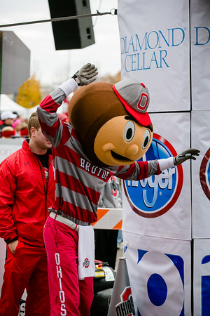 To purchase a high quality photo use the following link: http://www.robbmccormick.com/Clients-Fall-2013/OSU-Buckeye-4-Miler-2013/n-52Jzj