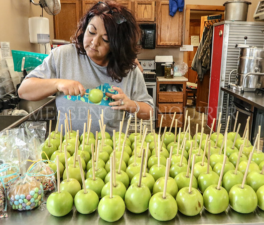Trunnells Easter egg hunt prep - Messenger-Inquirer