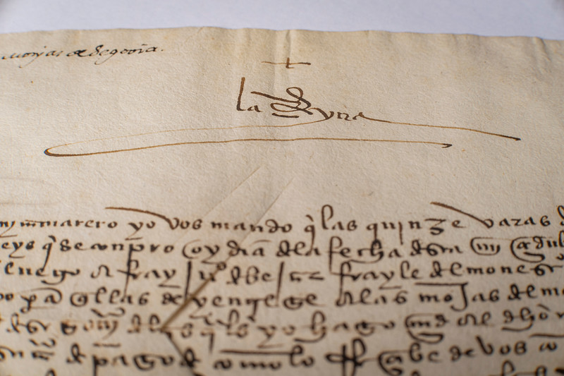 Handwritten letter from Queen Isabella, ca. 1500s.