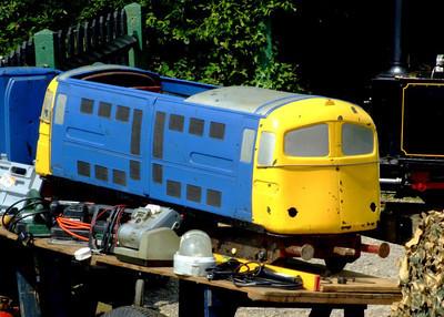 Miniature electric loco. Netley Bus Rally, 8th June 2008.