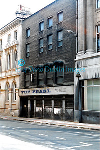 The Pearl Bar