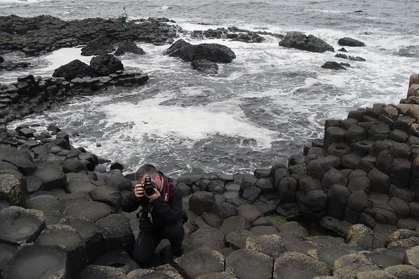 """Στο """"Giant's Causeway"""" (""""Μονοπάτι του Γίγαντα"""") στη Β. Ιρλανδία / Photo © Θ. Δαλπαναγιώτη"""