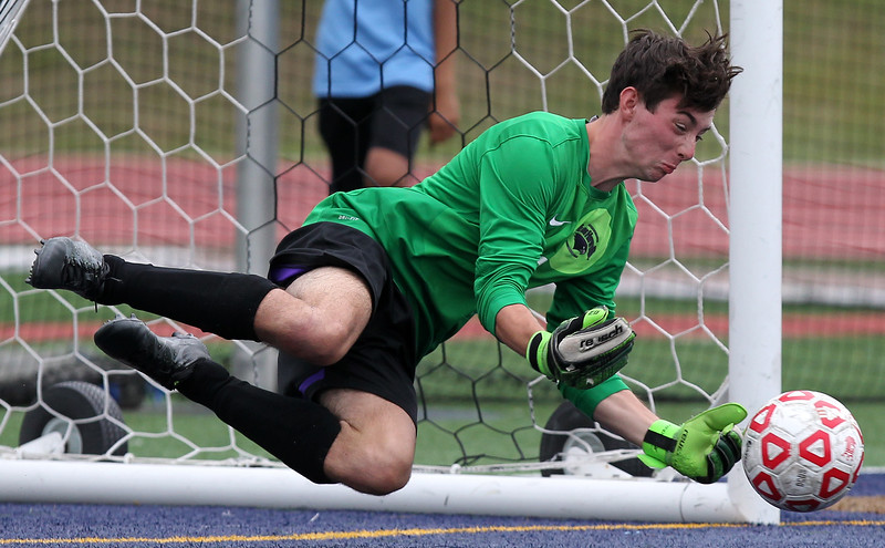 Bloomfield Hills defeated Richmond in a shootout 2-1 during opening round action of the Paul Bartoshuk Invitational Soccer Tournament at Detroit Country Day Friday, Aug. 19, 2016. (MIPrepZone photo / LARRY McKEE)