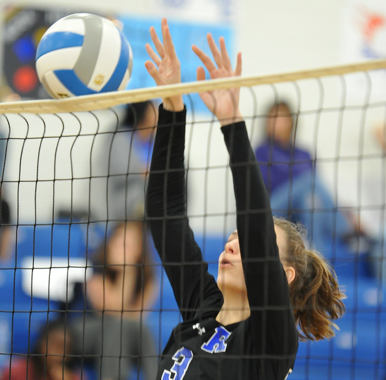 . The Rochester Falcons defeated the Berkley Bears in straight sets 25-20, 25-13, 25-18 in the OAA White match played on Tuesday September 19, 2017 at Rochester HS.  (Oakland Press photo by Ken Swart)