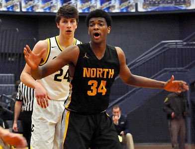 Clarkston hosted North Farmington for an Oakland Activities Association Red Division game on Tuesday, Feb. 5, 2019. (DAN FENNER - For Digital First Media)