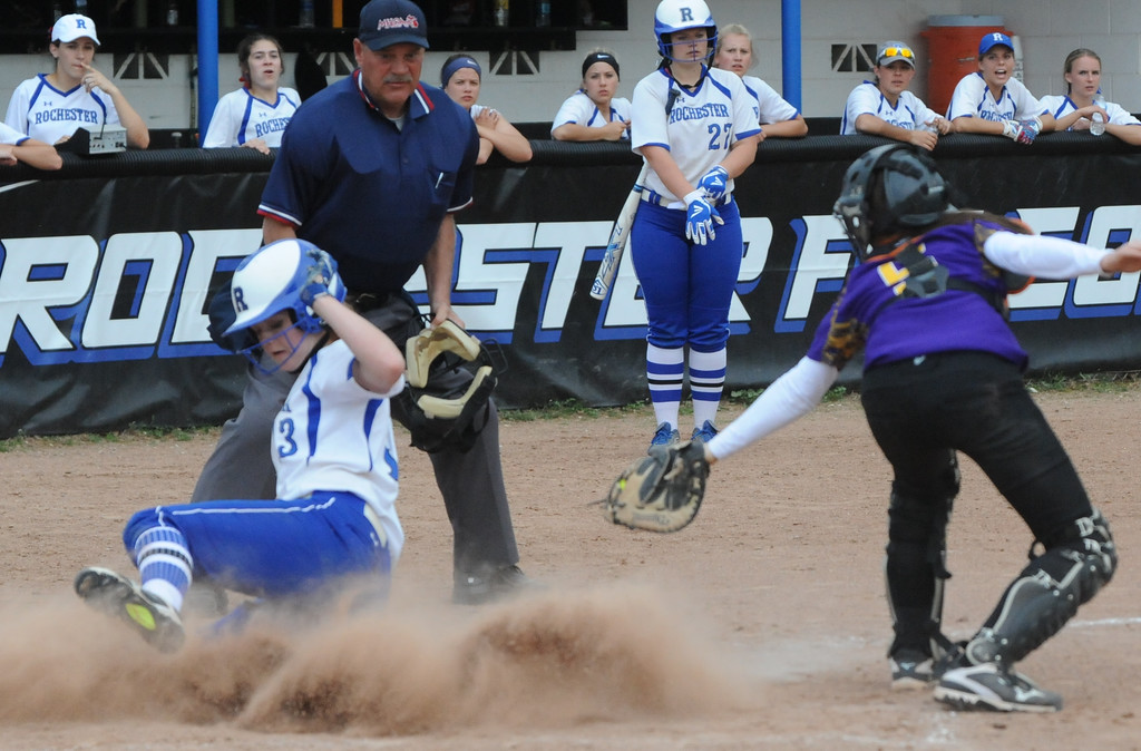 . The Rochester Falcons and Avondale Yellow Jackets split an OAA White doubleheader with Avondale winning game one 12-9,  and the Falcons taking the nightcap 9-6.  The games were played on Wednesday May 9, 2018 at Rochester HS.  (Oakland Press photo by Ken Swart)