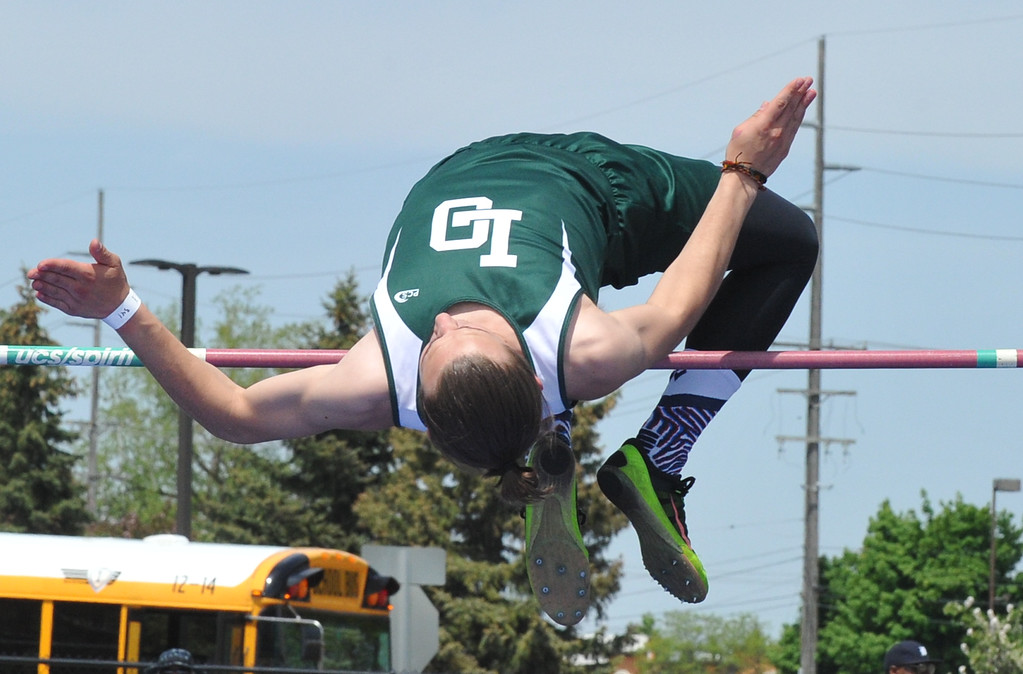 . The Lake Orion Dragon girls and Grand Blanc boys won their respective regional titles in the MHSAA D1 Regional meet held on Friday May 18, 2018 at Rochester High School.  (Oakland Press photo by Ken Swart)