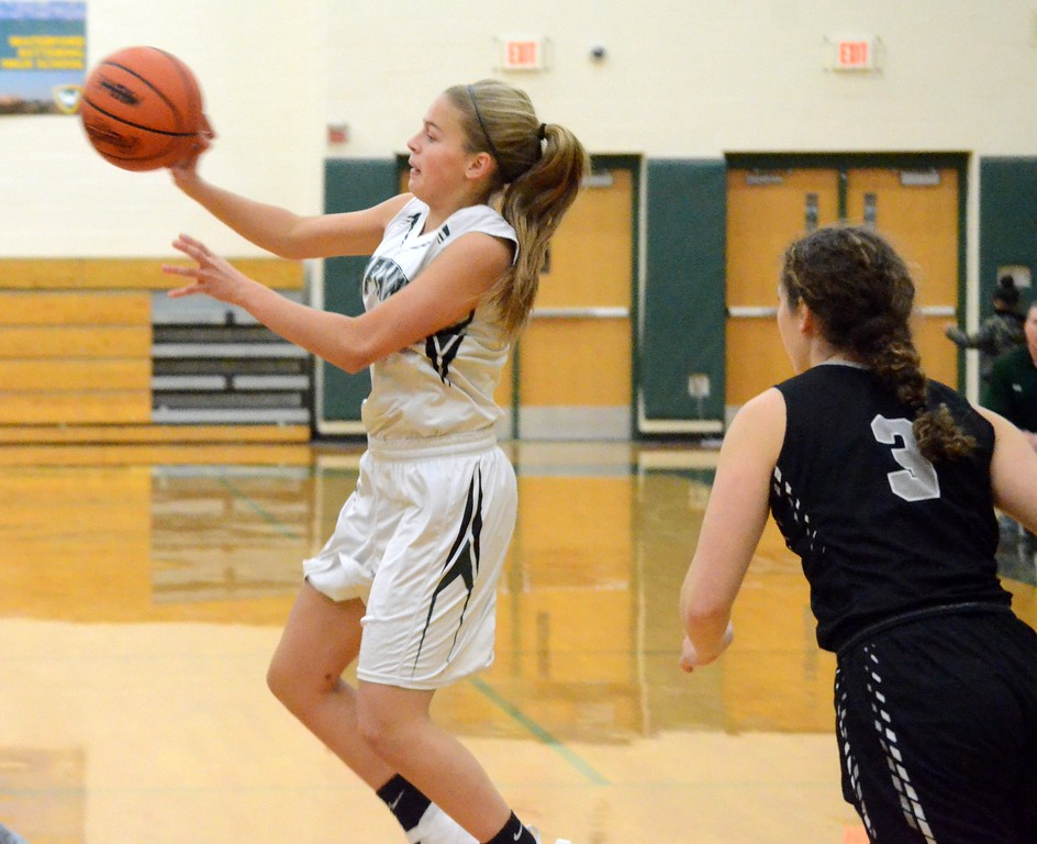 . South Lyon East defeated Waterford Kettering 49-46 on Friday night to take over first place in the Lakes Valley Conference. (Oakland Press photo gallery by Drew Ellis)