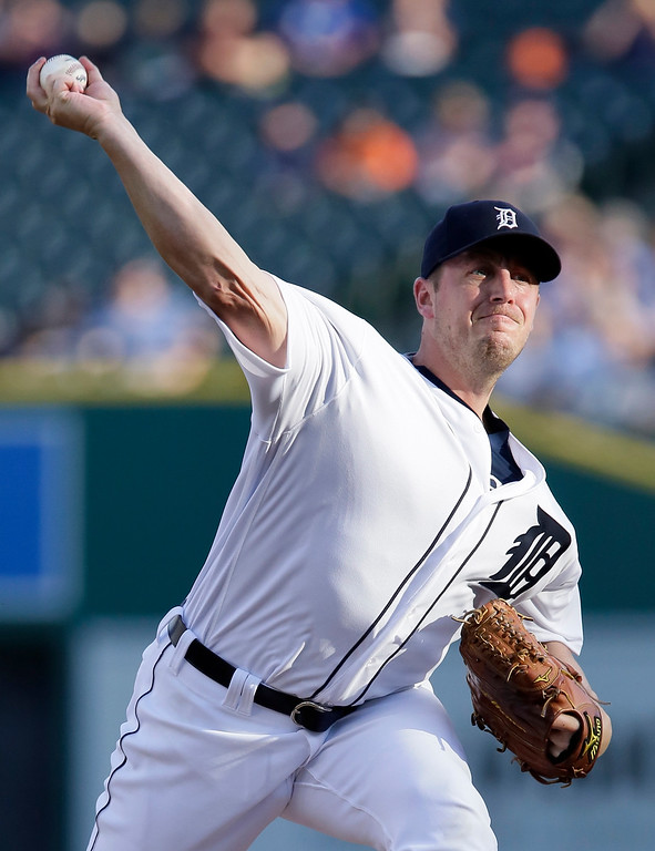 . Detroit Tigers\' Jordan Zimmermann pitches against the Chicago White Sox during the first inning of a baseball game Friday, June 3, 2016, in Detroit. (AP Photo/Duane Burleson)