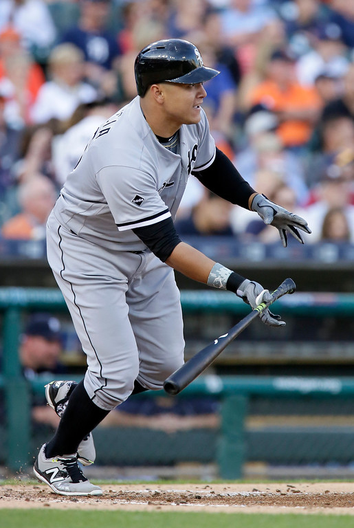 . Chicago White Sox\'s Avisail Garcia singles to drive in J.B. Shuck against the Detroit Tigers during the second inning of a baseball game Friday, June 3, 2016, in Detroit. (AP Photo/Duane Burleson)