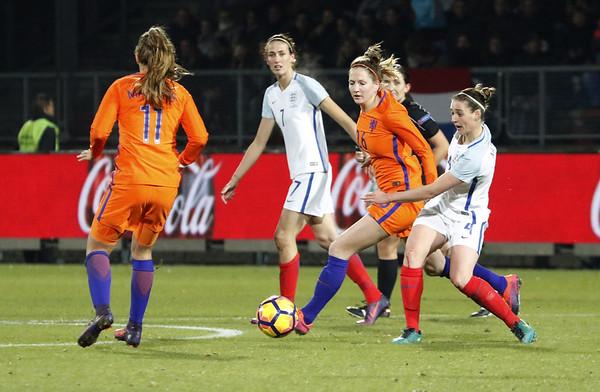 29-11-2016 - Tilburg - Nederland - Engeland - Ellen Janssen