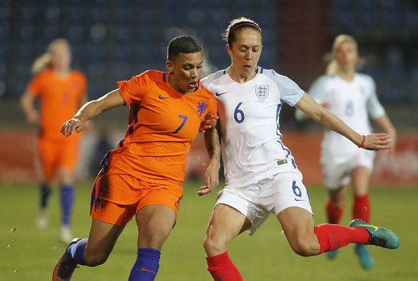 29-11-2016 - Tilburg - Nederland - Engeland - Shanice van der Sanden - Josanne Potter
