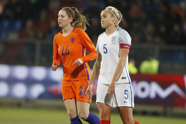 29-11-2016 - Tilburg - Nederland - Engeland - Ellen Janssen - Stephanie Houghton
