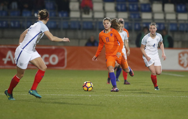 29-11-2016 - Tilburg - Nederland - Engeland - Lieke Martens