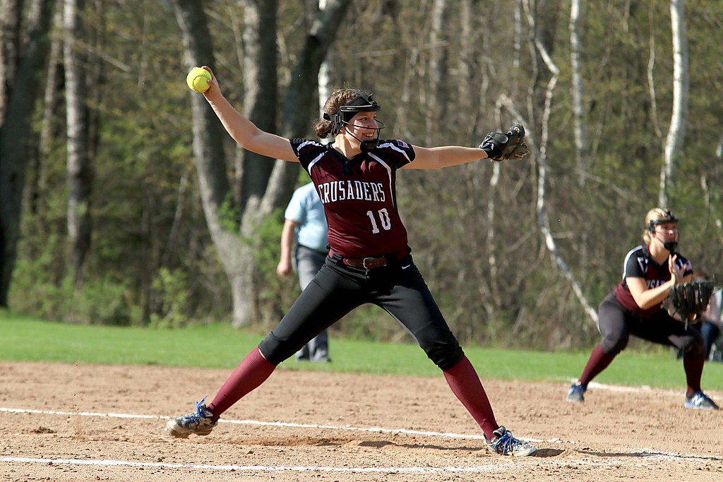 . Oarkmont Regional High School softball played Groton dunstable Regional High School on Tuesday afternoon in Ashburnham. GDRHS pitcher Jen Thorburn delivers a pitch during action in the game. SENTINEL & ENTERPRISE/JOHN LOVE