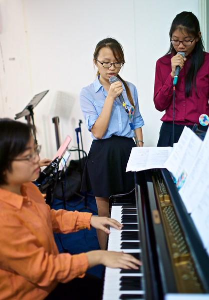 Youth Worship 2015 001