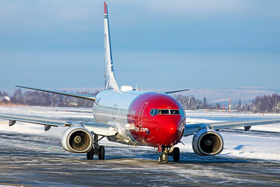 Norwegian Air Shuttle Boeing 737-8JP LN-DYN 2-3-19 2