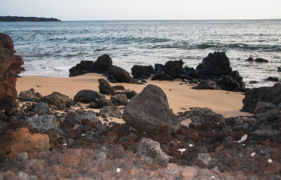 The last lava flow on Maui occurred around 1500. It flowed right to the sea from Haleakala. The stones seen here are lava.