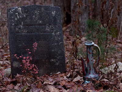 slate grave marker with urn, Phippsburg, Maine