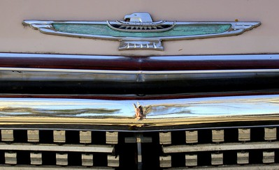 Thunderbird hood and grill detail