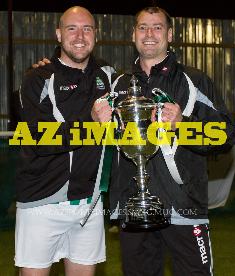 Player-manager DAN TRENKEL with Ass.Manager GARY ANSELL