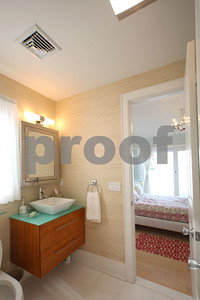 15-R Cole-Upstairs bathroom 2