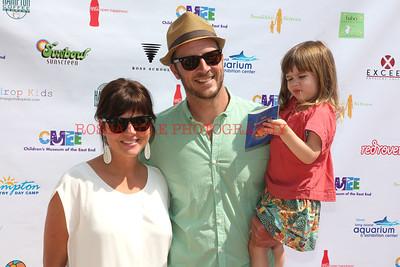 0452-Tiffani Thiessen, Harper Smith, Brady Smith