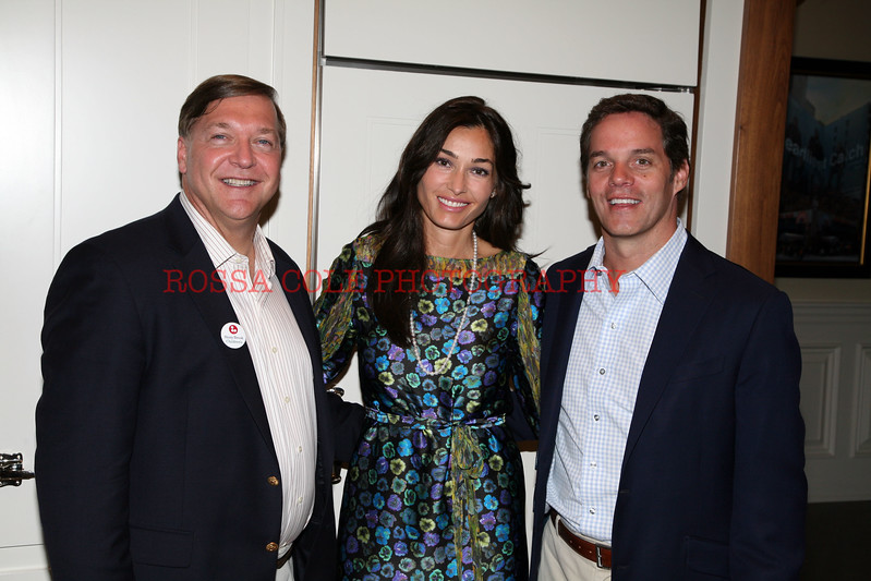 Dara Tomanovich and Bill Hemmer http://www.rossacolephotos.com/Parties/Stonybrook-Childrens-Hospital/13371736_4vxmSk/972389477_c8vBxBJ