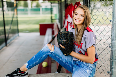 00321-©ADHPhotography2019--KoriUerling--Senior--July31