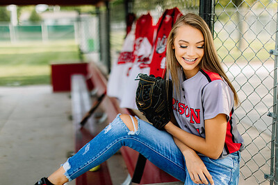 00389-©ADHPhotography2019--KoriUerling--Senior--July31