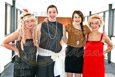 four flappers 0384