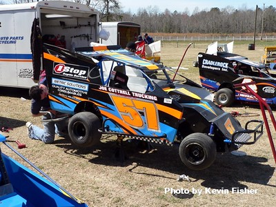 Slingshots in the pits   018