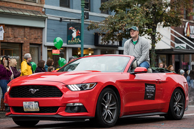 Photo by Max Catalano, BSVC 20'   Ohio Athletics Hall of Fame awardee Mark S. Krauss at the Ohio University 2018 Homecoming Parade on October 20.