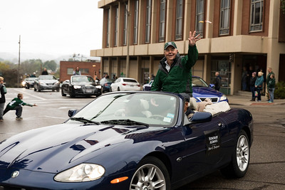 Photo by Max Catalano, BSVC 20'   Peter G. Tompson at the Ohio University 2018 Homecoming Parade on October 20.