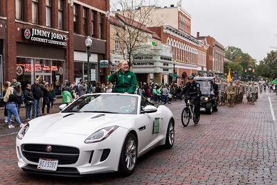 Photo by Max Catalano, BSVC 20'   Presiden Nellis at the Ohio University 2018 Homecoming Parade on October 20.