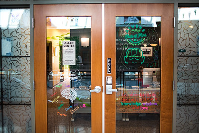 "The Allen Advising Center in Baker 417's decorations for the Paint the Town Green event encouraged students who came in for advising to write a word on the glass that they thought fit this year's theme of an ""Athens State of Mind."""
