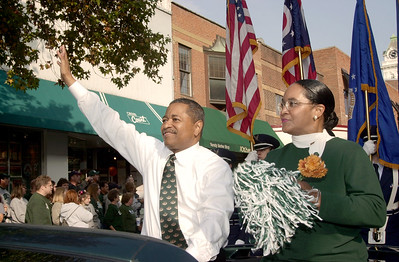 16700Homecoming Parade: Marching 110: Students:Fall 2004