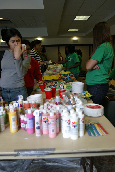 2009 OUAB Go Green Crafts