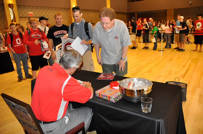 2010 Celebrity Signing Series - Jim Tressel
