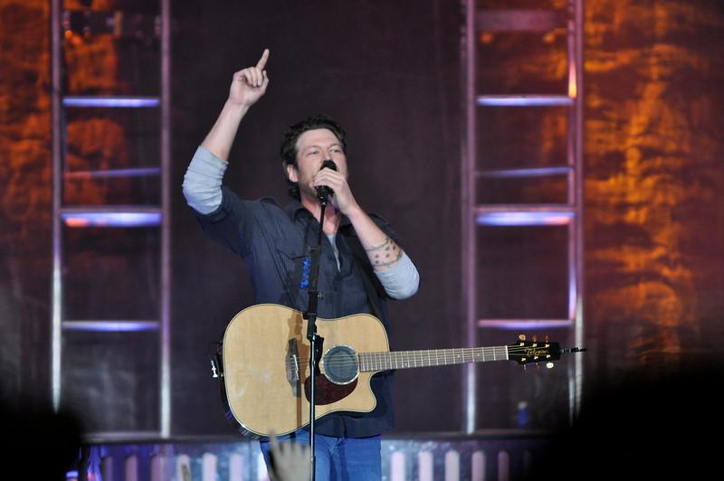 2010 OUAB Buckeyethon Benefit Concert Blake Shelton