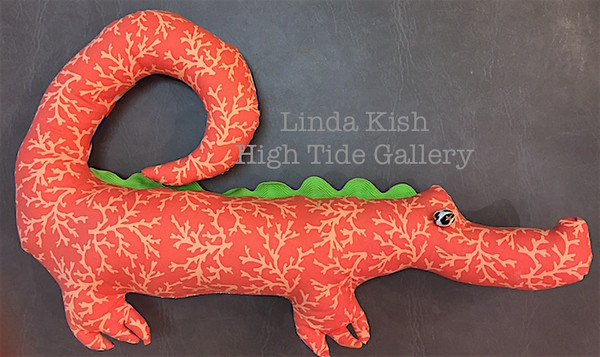 Happy Gator (Salmon Pink) by Linda Kish