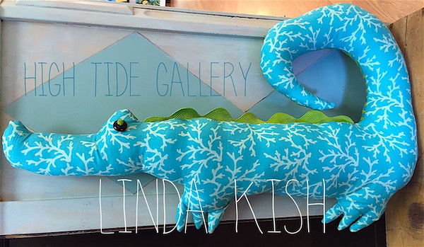 Happy Gator (Aqua Blue) by Linda Kish