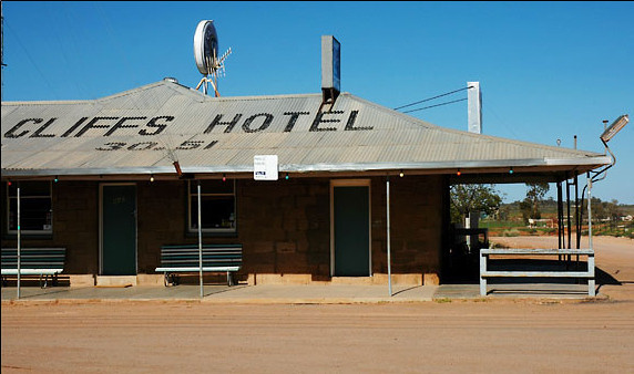 Hotel<br /> White Cliffs, NSW