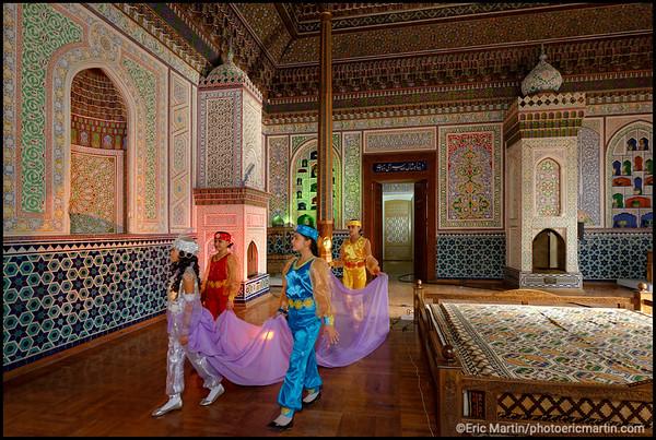 OUZBEKISTAN. TACHKENT. Tournage d'un film pour la télévision ouzbek dans le Musée des arts appliqués.