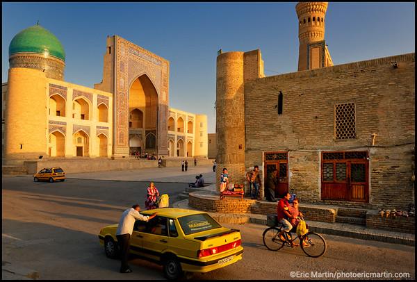 OUZBEKISTAN. VILLE DE BOUKHARA.  La madrasa Mir-i-Arab  La madrasa est aujourd'hui encore en activité