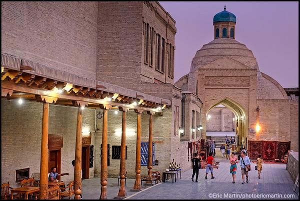 OUZBEKISTAN. VILLE DE BOUKHARA. Le Tak-i Zargaron, le bazar de la coupole des bijoutiers