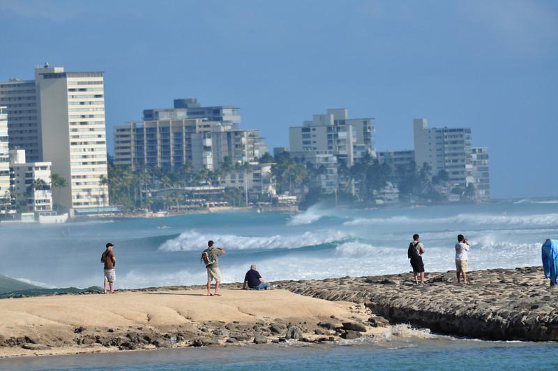 Huge south swell Waikiki