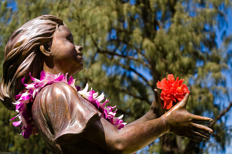 Statue of Joy at Kapiolani Park Waikiki