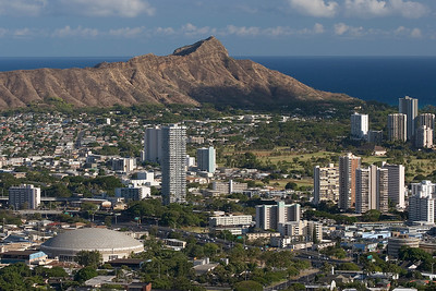Diamond Head and waikiki from the west